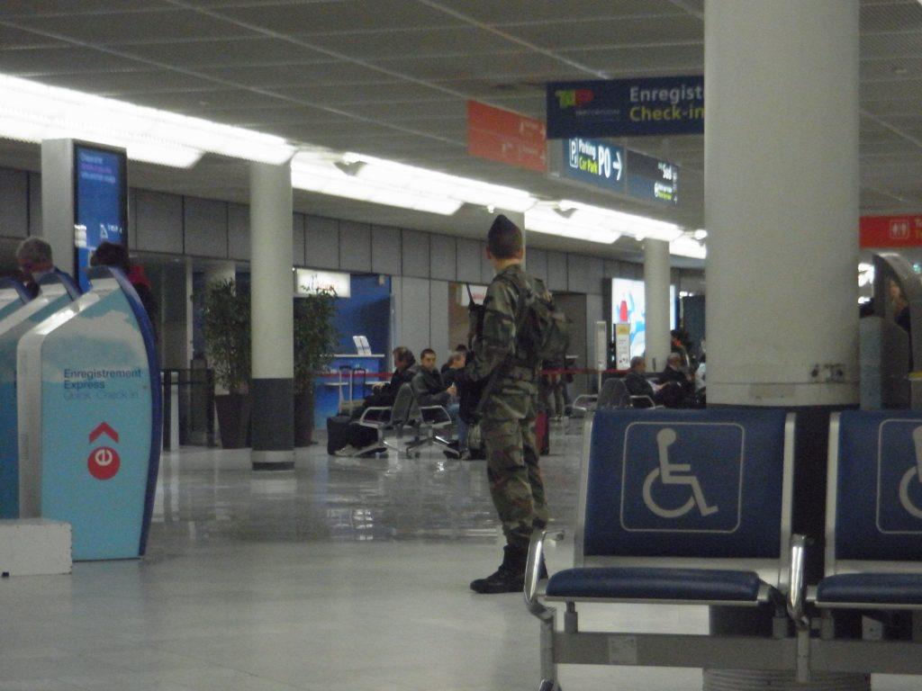 フランスオルリー空港